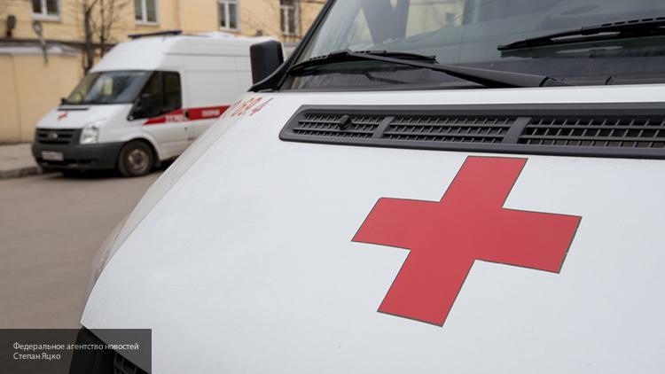 ВПодмосковье иностранная машина  врезалась влюдей наостановке, шофёр  умер