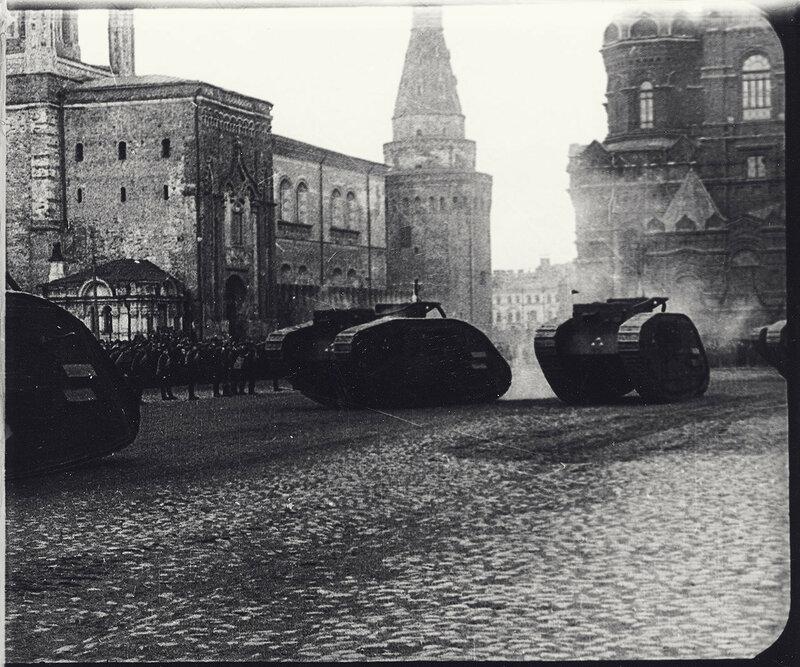 558107 Парад на Красной площади 1920-е.jpg