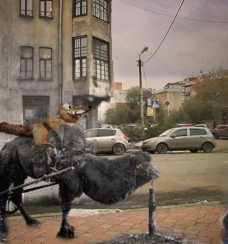 Верблюд на ул. Орджоникидзе 03.jpg
