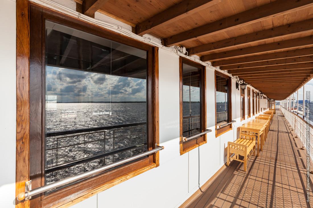 фотография колесный пароход Гоголь палуба