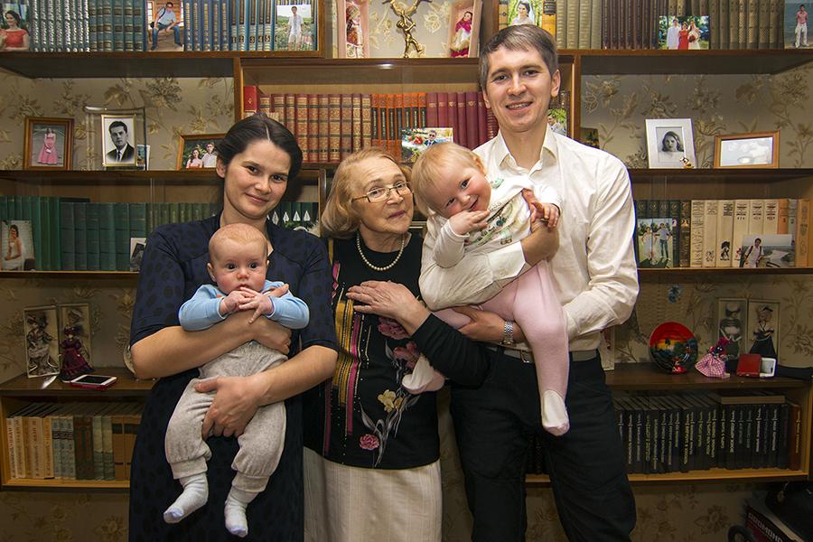 Семья фотографируется в голом виде фото фото 388-90