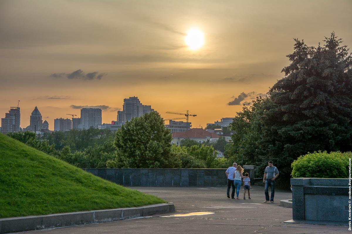 Киев, Нижняя Площадка Родины Матери