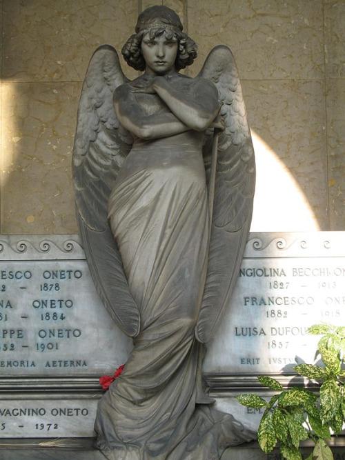 кладбище стальено генуя ангел смерти