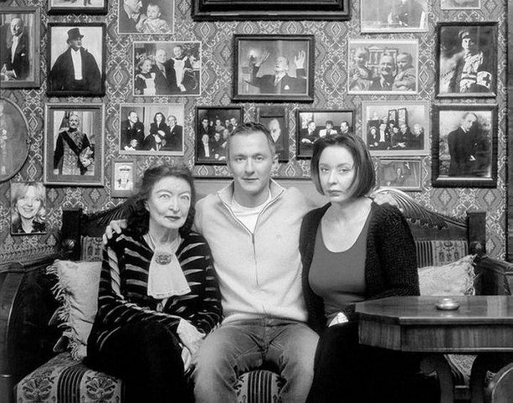 15. Анастасия Вертинская с мамой и сыном