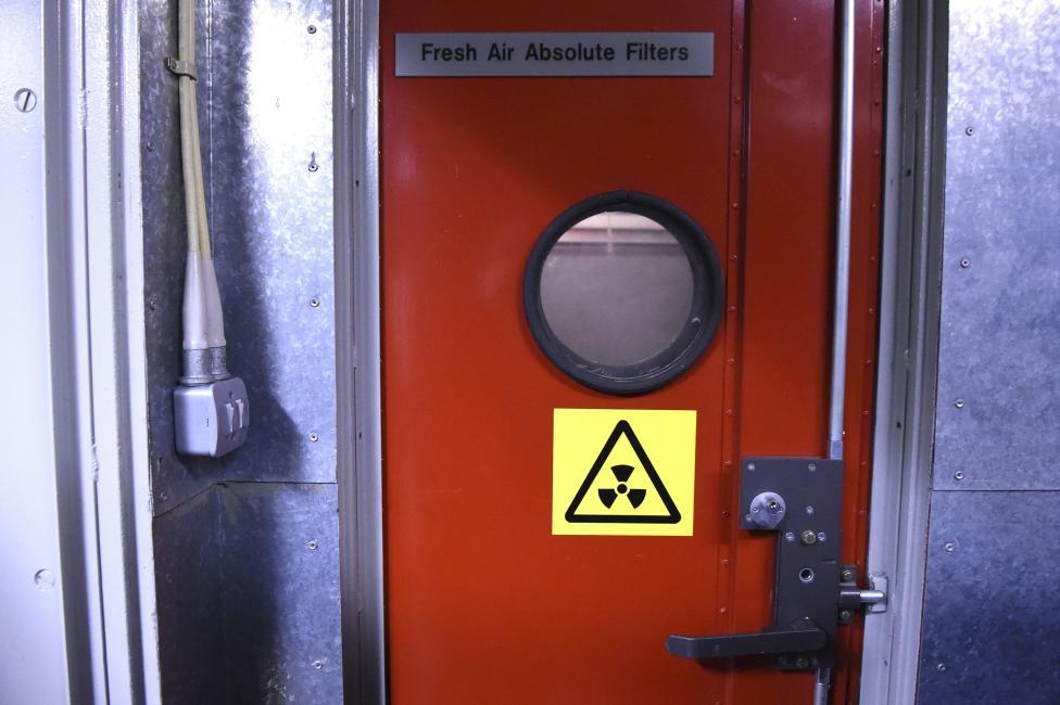 В бункере установлены фильтры, круглосуточно подающие свежий и очищенный воздух.