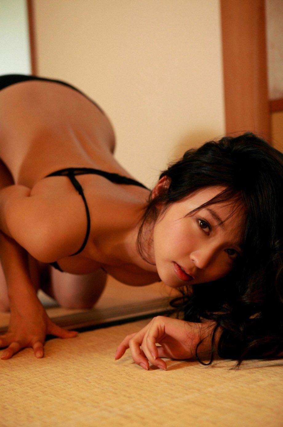 fotopodborka-eroticheskih-devushek