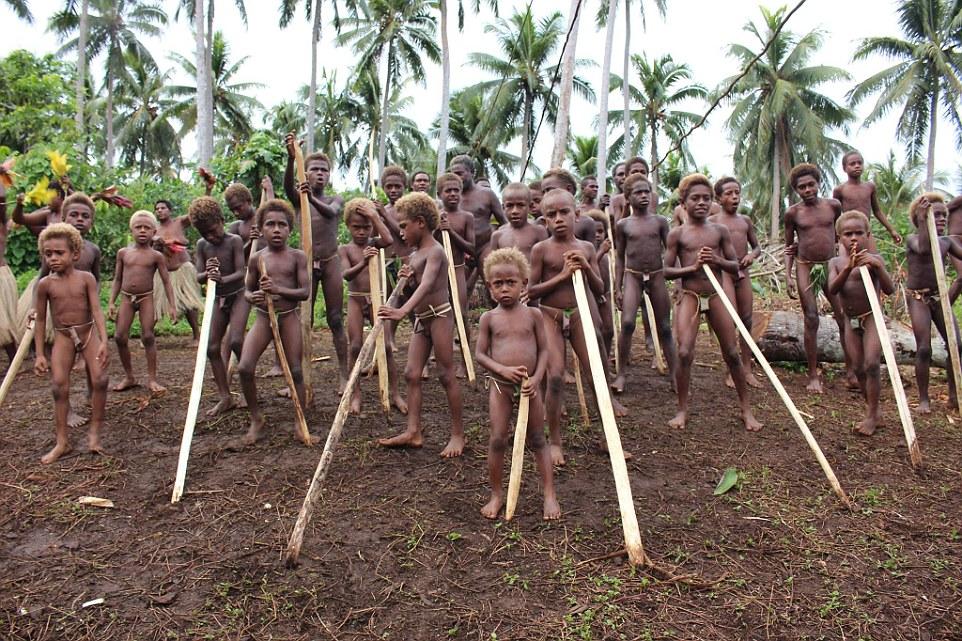 Племя на острове Пентекост (часть Республики Вануату).