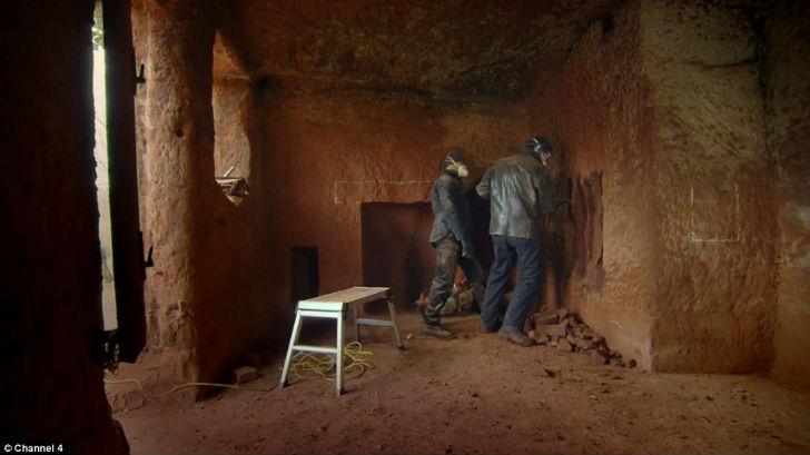 У каждого мужчины должна быть своя пещера (17 фото)