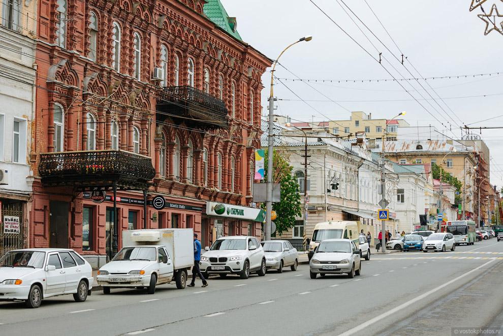 11. Здание лицея № 4 — одна из главных достопримечательностей Московской улицы. До этого здесь