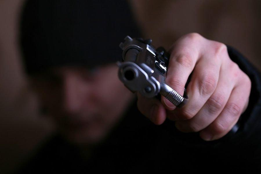 ВБлаговещенске около ночного бара расстреляли мужчину