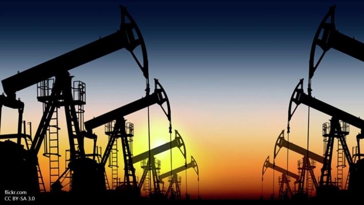 Стоимость нефти Brent стремится к $48 забаррель, WTI дорожает чуть слабее