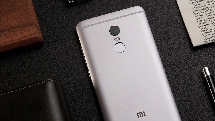 MIUI 8 даст возможность делить дисплей пополам