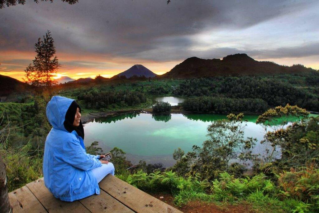Цветные озёра на плато Диенг