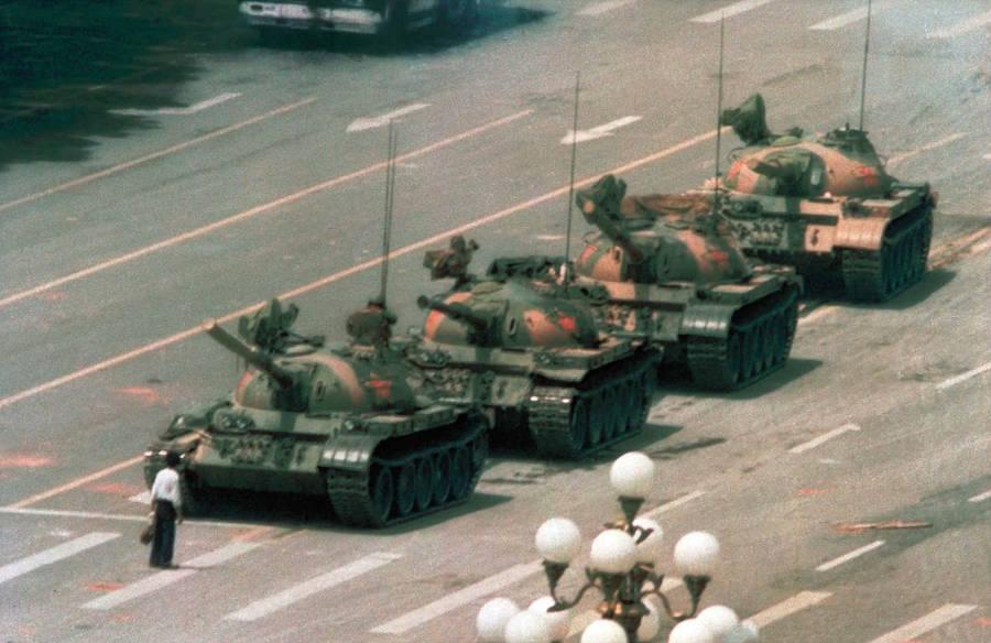 Tank Man / Jeff Widener / 1989