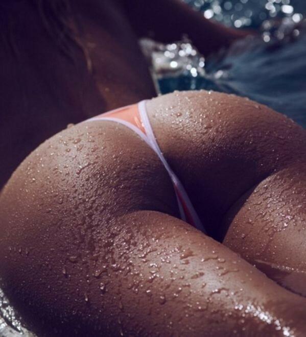 Мокрые сексуальные попки — photo 11