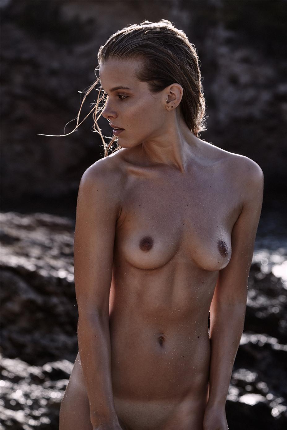 Обнаженные девушки на пляжах Ибицы / Ibiza Nudes by Diane Betties - Hanne