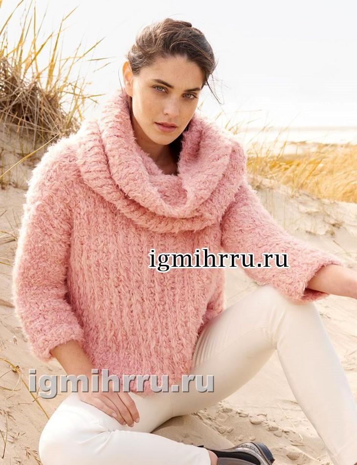 Розовый комплект из бахромчатой пряжи: пуловер и снуд. Вязание спицами