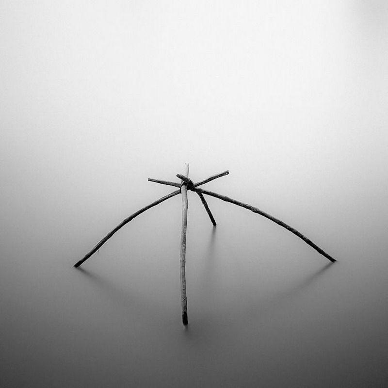 Хенгки Коентжоро. Чёрно-белый минимализм.