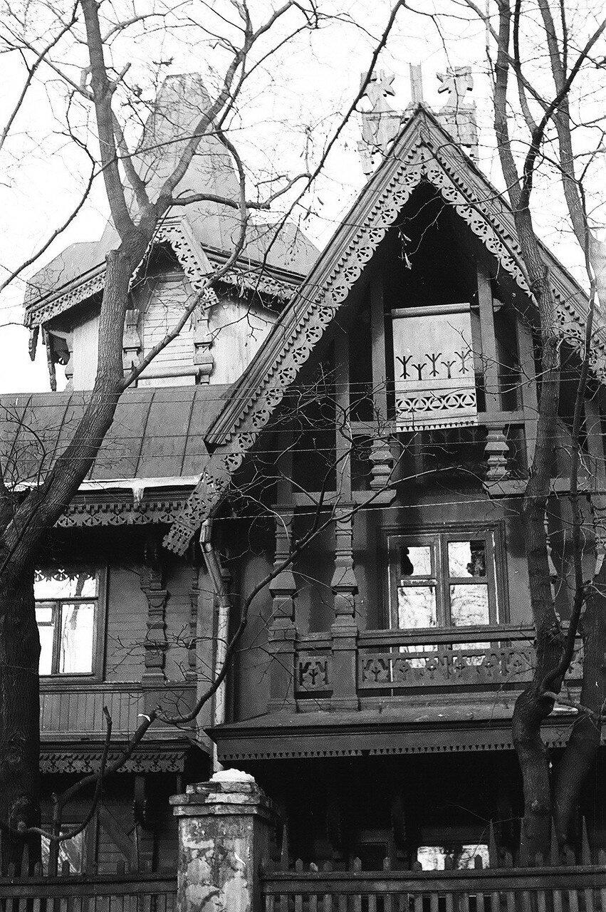 1974. Дача Калинина на углу Б. Оленьей улицы и Малого Оленьего переулка