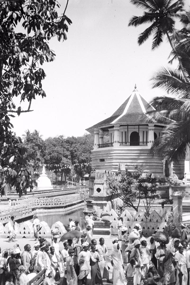 213. Храм Зуба Будды (Шри Далада Малигава) в Канди