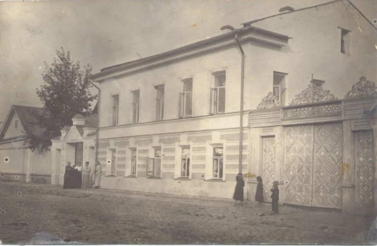 Дом купцов Птицыных на Поперечной улице