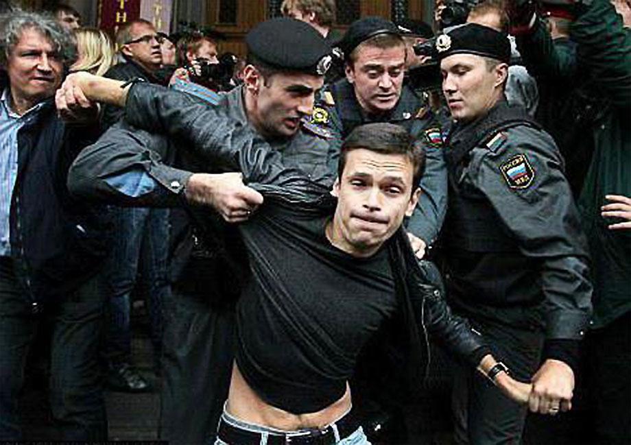 «Долой полицейское самодержавие!» Илья Яшин в 2004-ом году