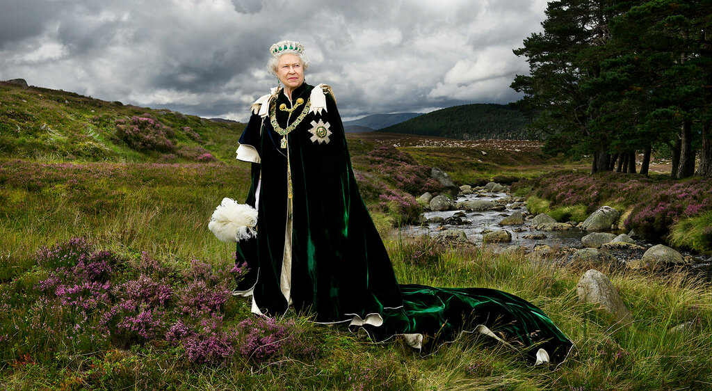 HM-The-Queen-Chief-of-the-Chiefs-Julian-Calder.jpg