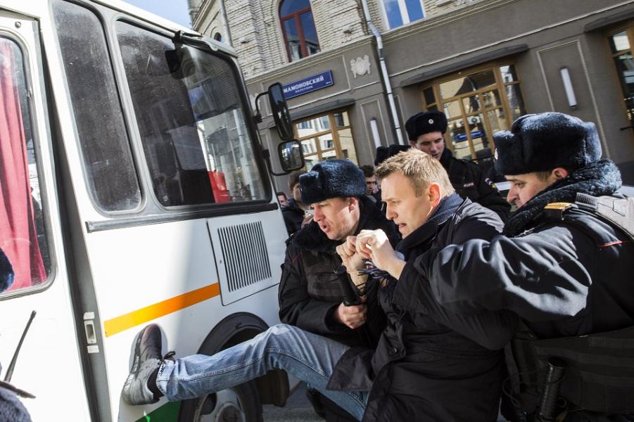 Задержание Навального 26.03.17, Антон Новодережкин, ИТАР-ТАСС.png