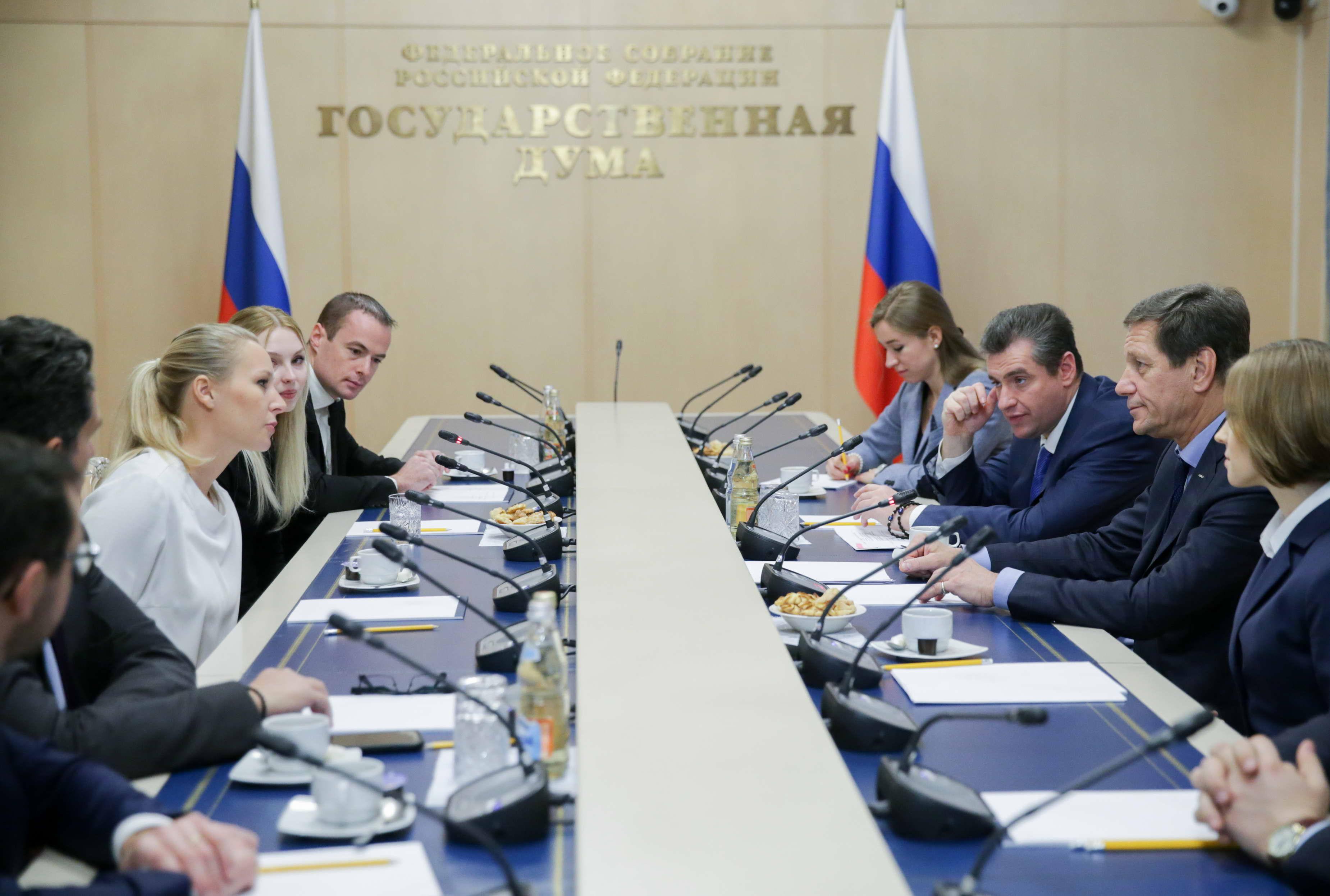 20161117-Марион Марешаль-Ле Пен и Наталья Поклонская
