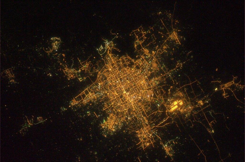 получается екатеринбург фото с космоса лопатках