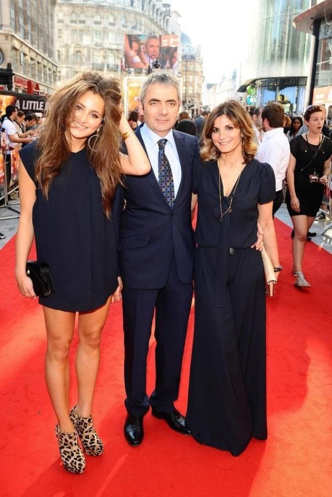 © mirror.co.uk  Лили уже снималась внескольких фильмах вместе спапой, таких как «Мистер Бин
