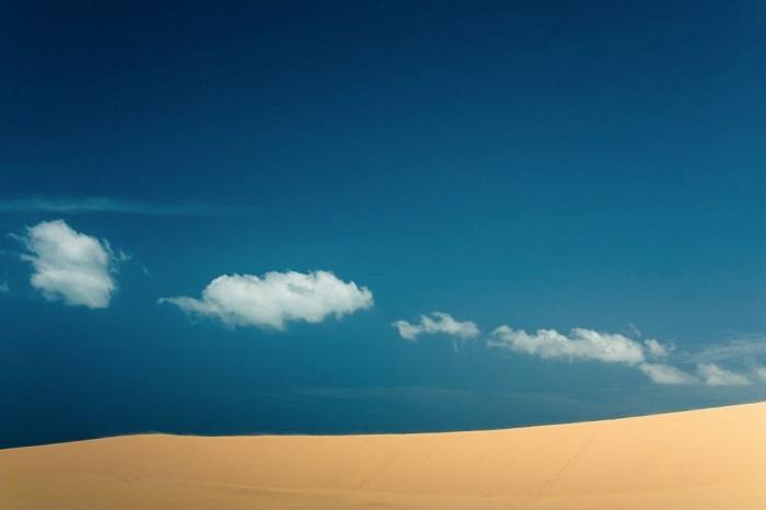 1. Плывущие облака