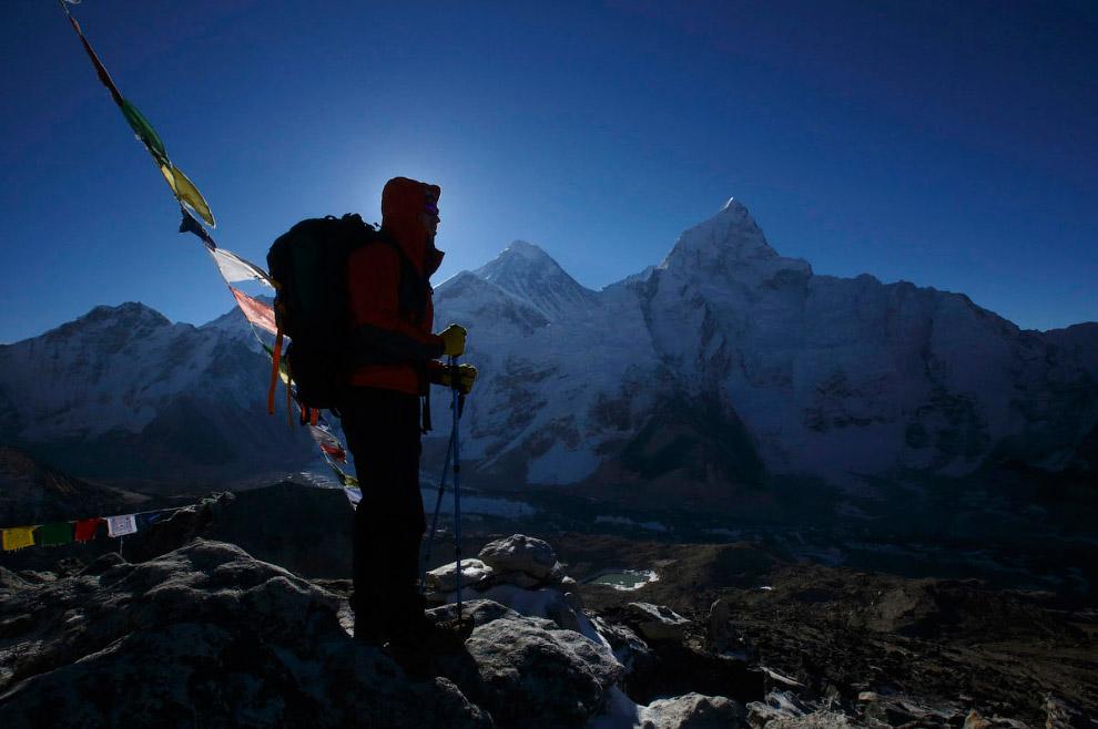 35. Пумори — вершина в Гималаях в хребте Махалангур-Химал. Расположена на границе Непала и Тибе
