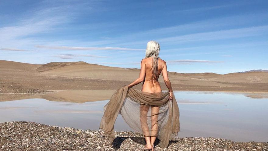 61-летняя Ясмина Росси снялась для рекламы купальников
