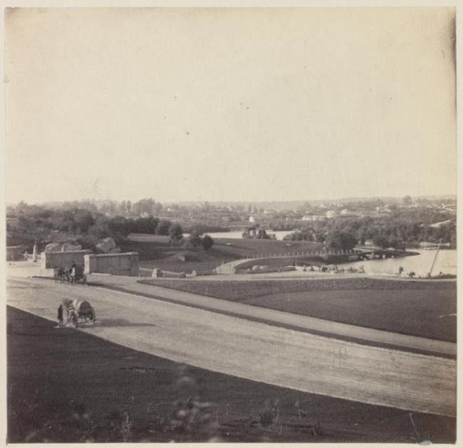 © nypl  Разрушенная Вандомская колонна. Париж, Франция, 1871 год