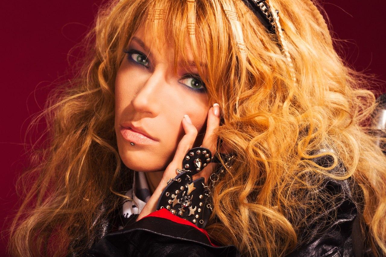 Песня Самойловой сейчас занимает восьмое место в ставках букмекеров — впереди участники из Рум