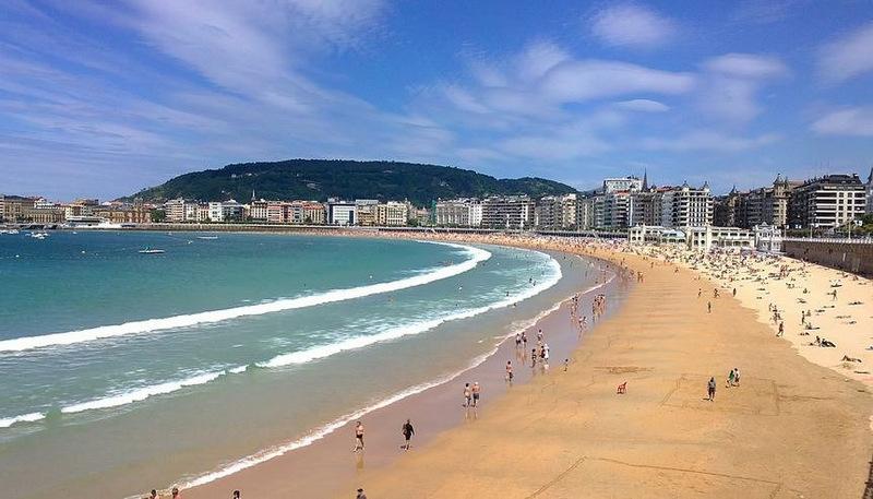 6. Ла-Конча, Сан-Себастьян, Испания . Лучшее время для посещения: с июня по сентябрь.