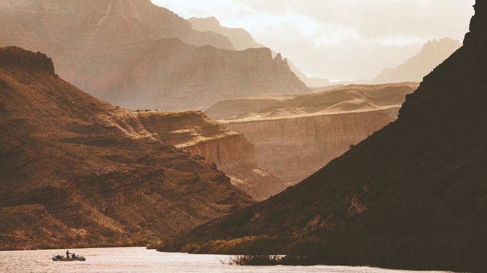 2. Вудворд с командой целый месяц сплавлялся по реке Колорадо, и рафтинг, по его словам, выдался дов