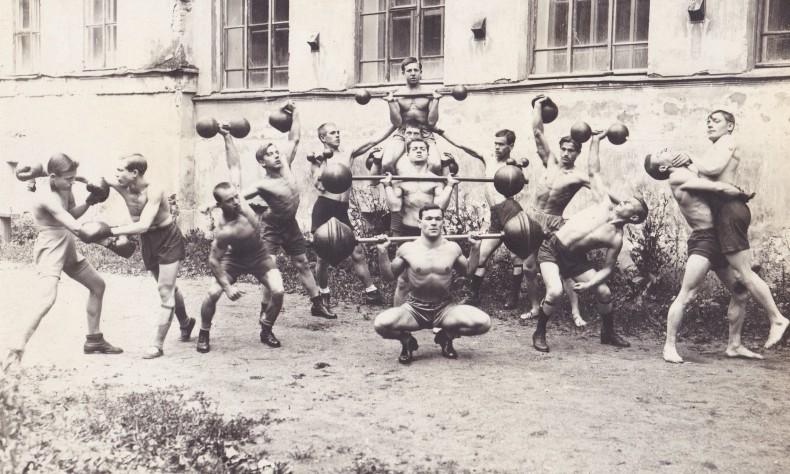 Советский бодибилдинг: история запретного спорта (22 фото)