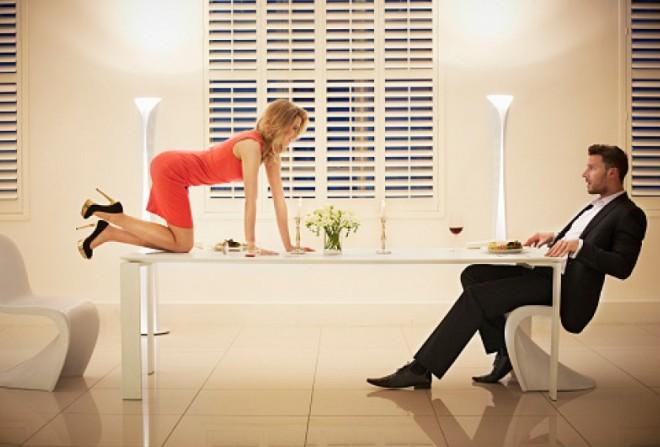 Психологи рассказали, как легко соблазнить любого мужчину (1 фото)