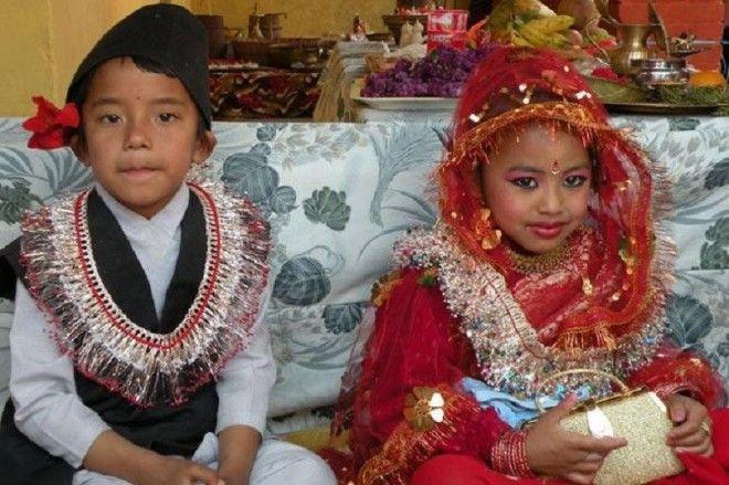 И если в Индии и Бангладеше замуж выдают за мальчиков старше лет на пять-десять, то в Афганистане, н