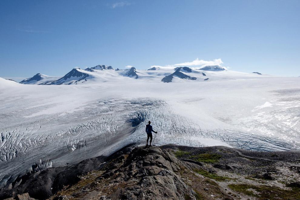 6. Трещина в леднике Матануска. (Фото Mark Meyer):