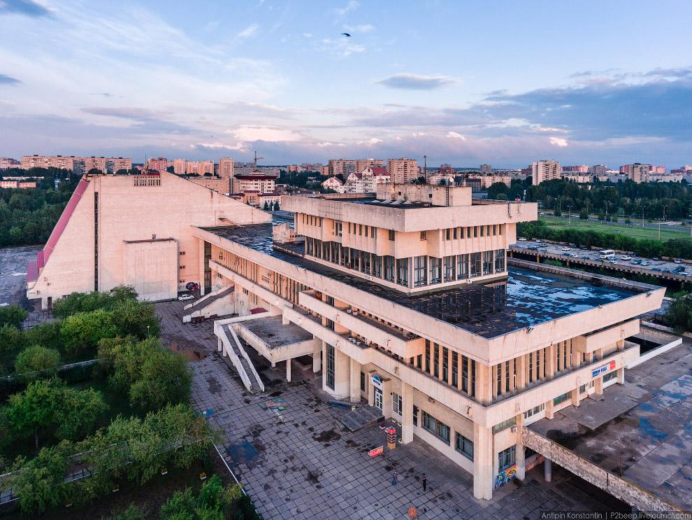 фото зданий тольятти достаточно простые, поэтому