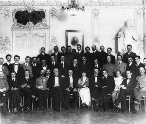 Группа членов аэроклуба