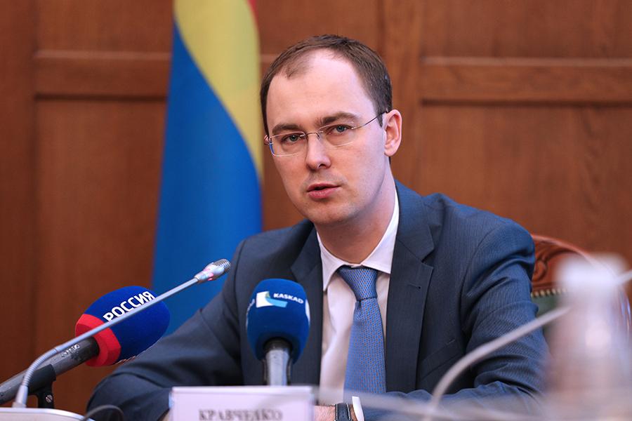 Руководитель регионального Министерства здравоохранения поведал, сколько мед. сотрудников нехватает Янтарному краю