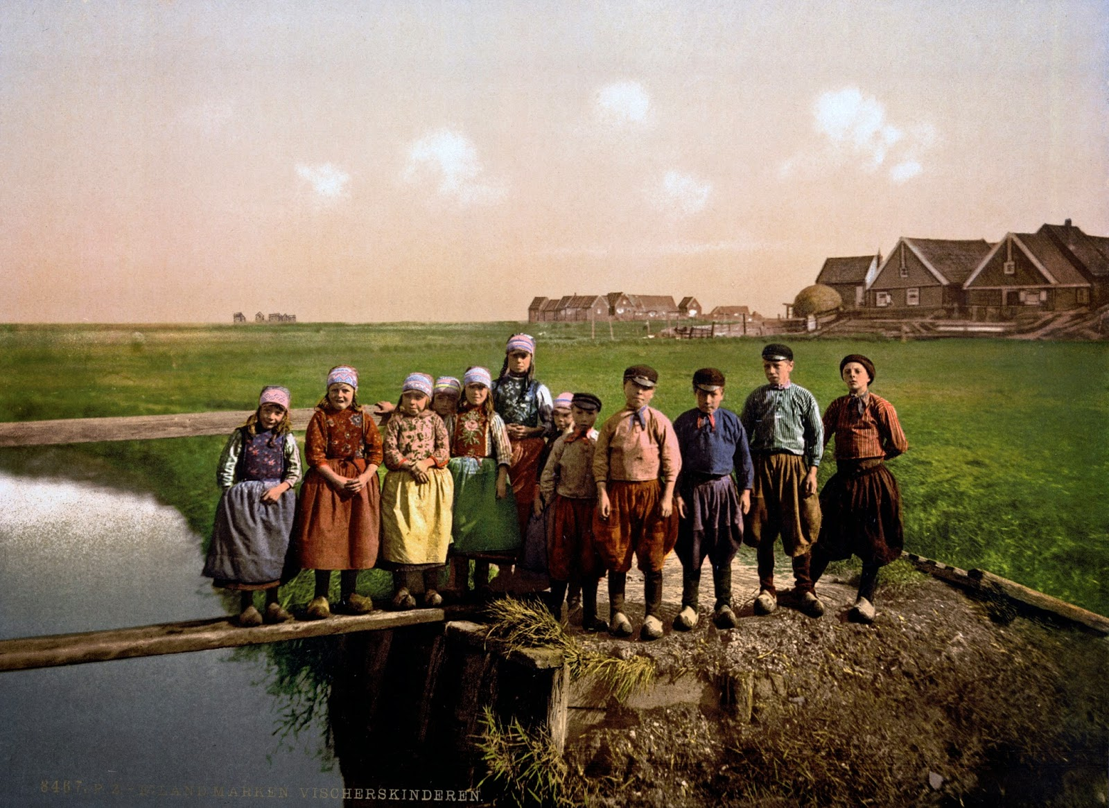 Native children, Marken Island, Holland, ca. 1890-1900.jpg