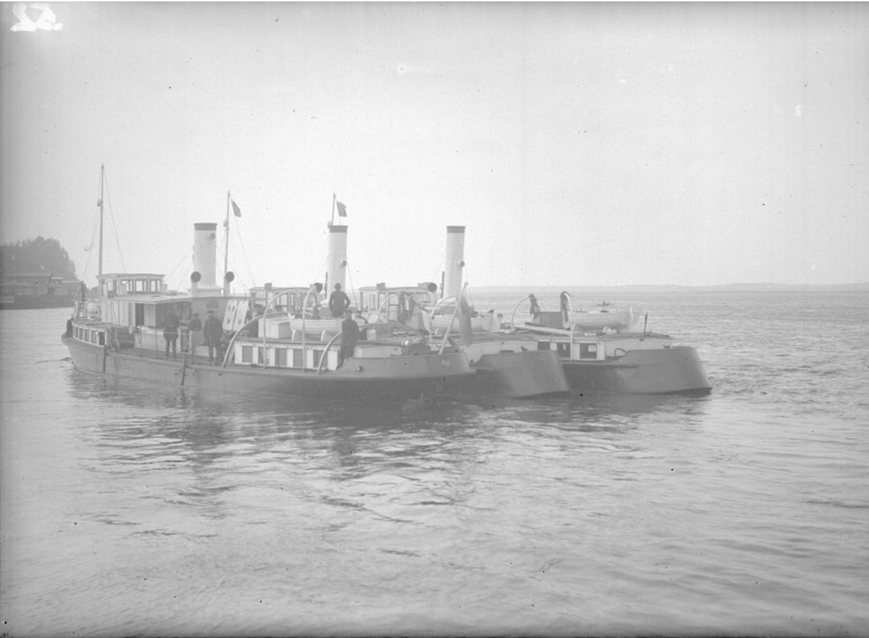 1915-1916. Пароход-баркас. Общий вид
