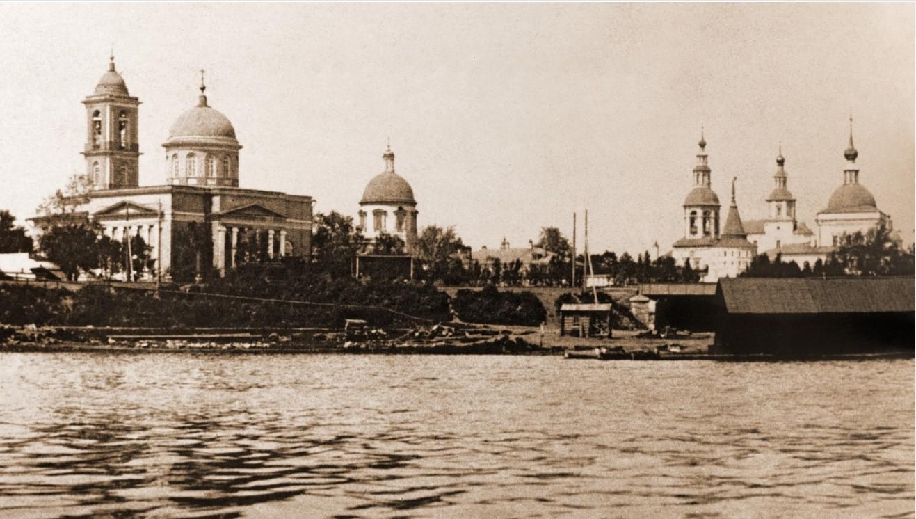 Данилов монастырь. Вид со стороны Москва-реки