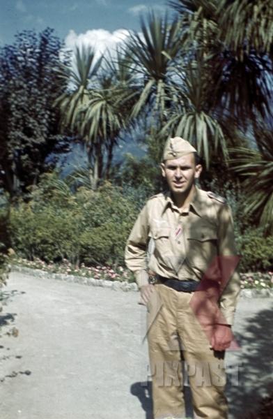 stock-photo-german-luftwaffe-soldier-in-amalfi-italy-1942-12769.jpg