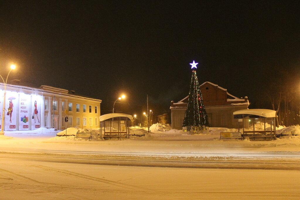Театральная площадь в новогодние дни.